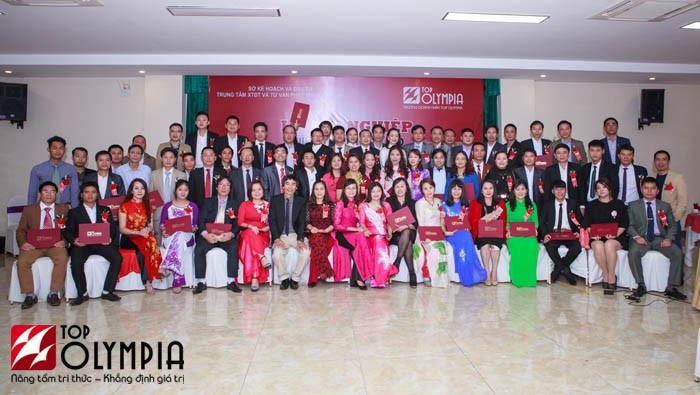 Bế giảng lớp Giám đốc điều hành doanh nghiệp 06 tại Nghệ An