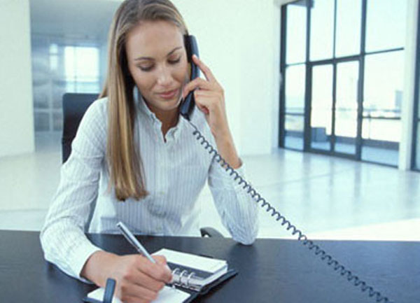 Những câu nói cần tránh khi giao tiếp qua điện thoại