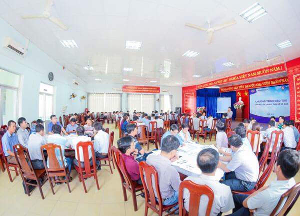 Tổ chức chương trình đào tạo dành cho cán bộ cấp trung, cán bộ kế cận công ty VINACONEX 25