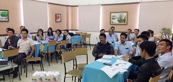 Tổ chức khóa kỹ năng giao tiếp và bán hàng chuyên nghiệp tại Vinaconex 25