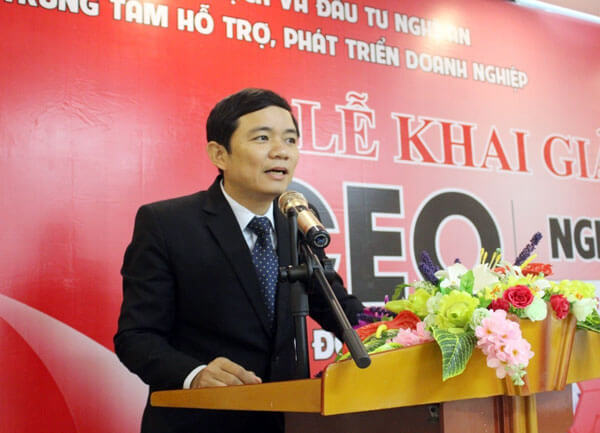 Hoàng Vĩnh Trường – Giám đốc Trung tâm hỗ trợ, phát triển doanh nghiệp tỉnh Nghệ An phát biểu khai giảng khóa học