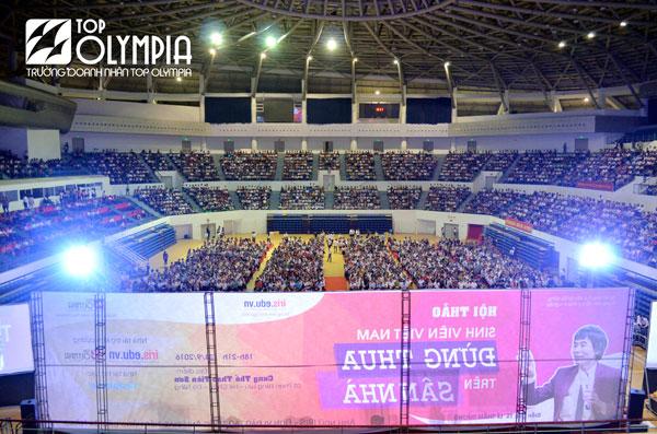 Toàn cảnh buổi hội thảo tại cung thể thao Tiên Sơn