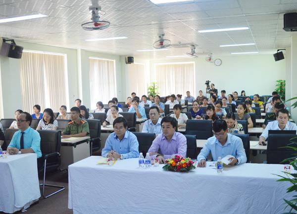 Nâng cao kỹ năng giao tiếp và ứng xử cho cán bộ, công chức tại Quảng Bình
