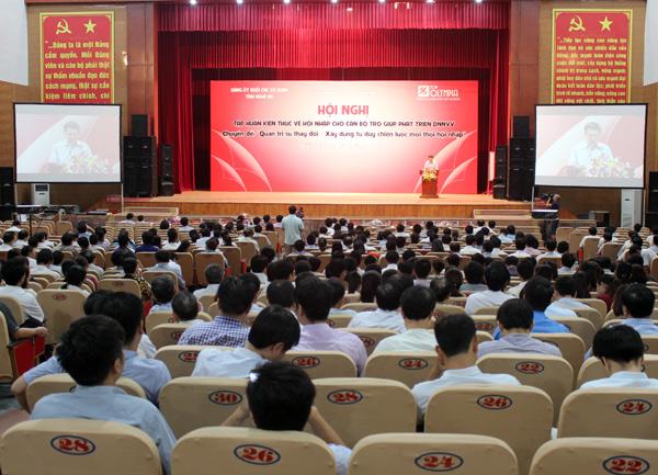 Hội nghị tập huấn kiến thức về hội nhập cho cán bộ trợ giúp phát triển DNNVV tỉnh Nghệ An