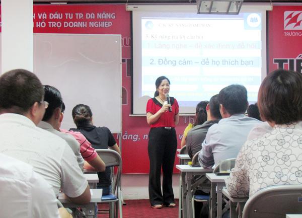 Tổ chức khóa học Nghệ thuật giao tiếp và đàm phán tại Đà Nẵng