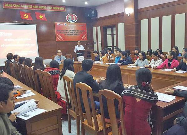 Đào tạo nâng cao năng lực cán bộ làm công tác trợ giúp phát triển DNNVV tại tỉnh Thừa Thiên Huế
