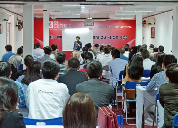 """Tổ chức chương trình đào tạo """"Chiến lược doanh nghiệp năm 2017 và những năm tiếp theo"""" tại Đà Nẵng"""