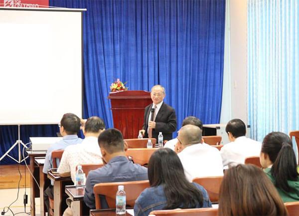Tiến sĩ Lê Đăng Doanh chia sẻ về cơ hội và thách thức trong kinh tế thời đại mới