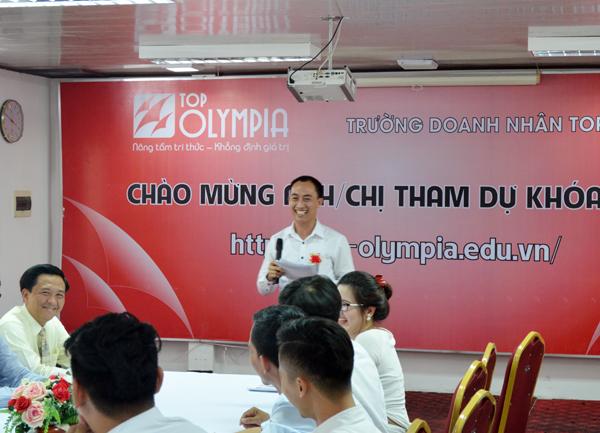 Lớp trưởng Lê Xuân Quyên gửi lời cảm ơn sâu sắc tới Top Olympia và Đội ngũ Giảng viên
