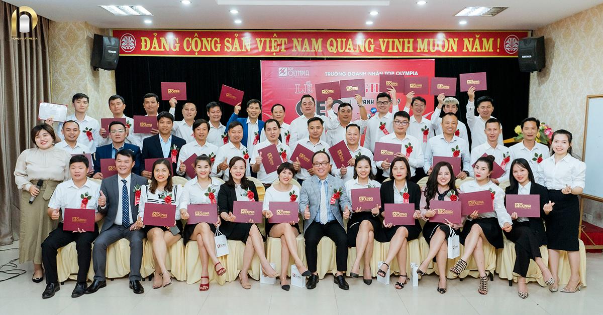 Thanh Hoa Le Tot Nghiep Ceo K07 08112020 Trao Bang