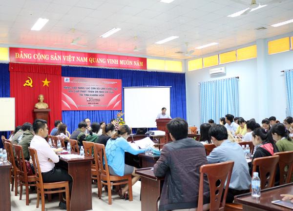 Khai giảng CTĐT Nâng cao năng lực cán bộ làm công tác trợ giúp phát triển DNNVV tại Khánh Hòa