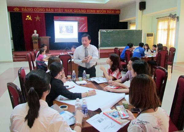"""Tổ chức khóa học """"Kỹ năng giải quyết vấn đề và ra quyết định"""" cho công ty TNHH Fashion Garments Quảng Nam"""
