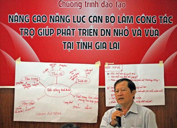 Nâng cao năng lực cán bộ làm công tác trợ giúp phát triển DNNVV tại tỉnh Gia Lai